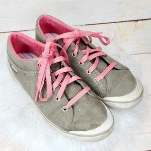 Teva free wheel washed canvas tennis shoes sz 9